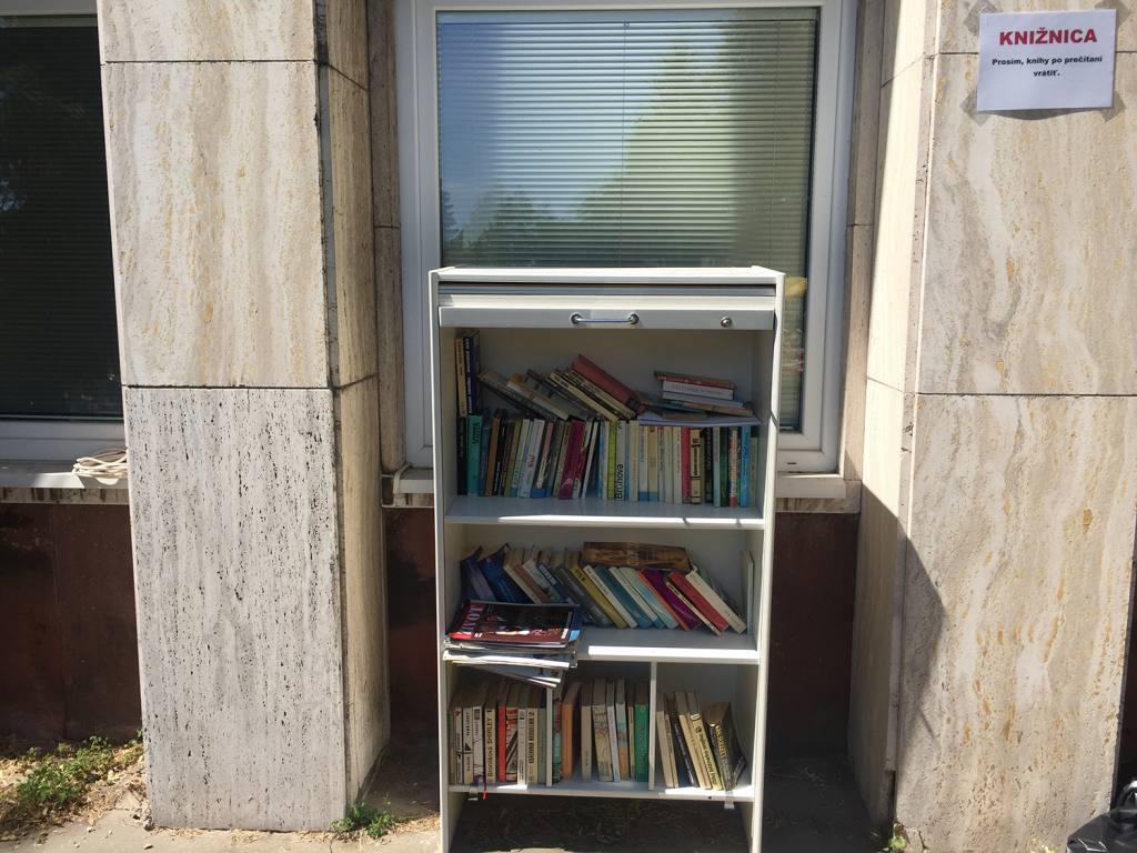 Mičurín, bazén, knižnica