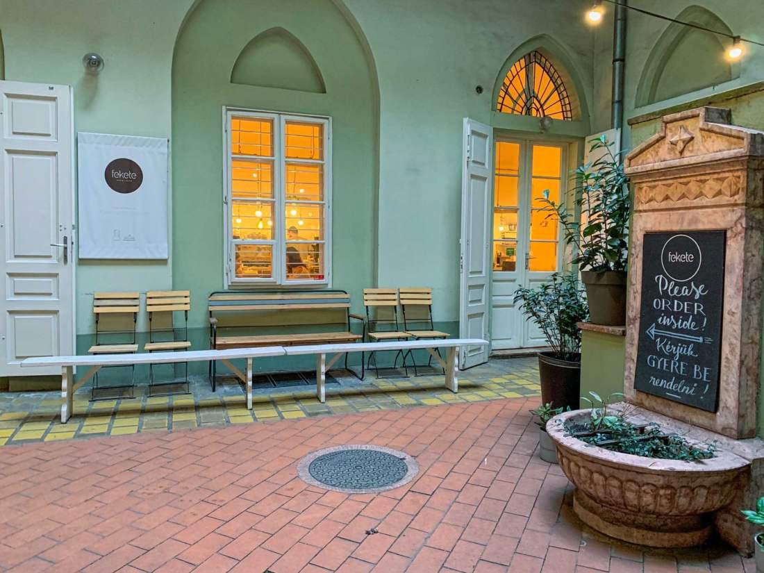 Kaviareň Fekete, Budapešť