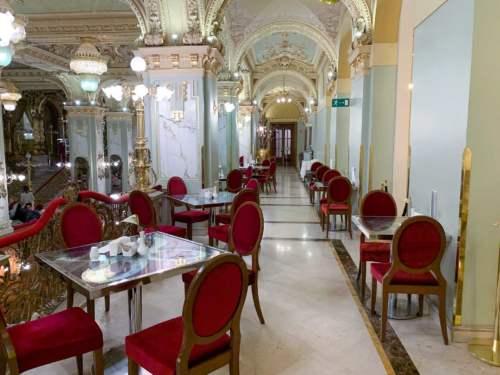 Kaviareň New York v Budapešti