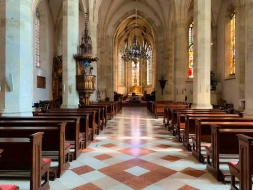 Korunovačný kostol