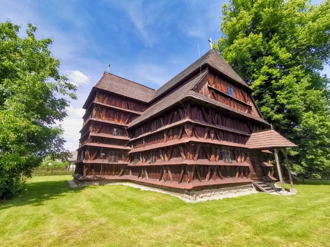 Kostol v Hronseku